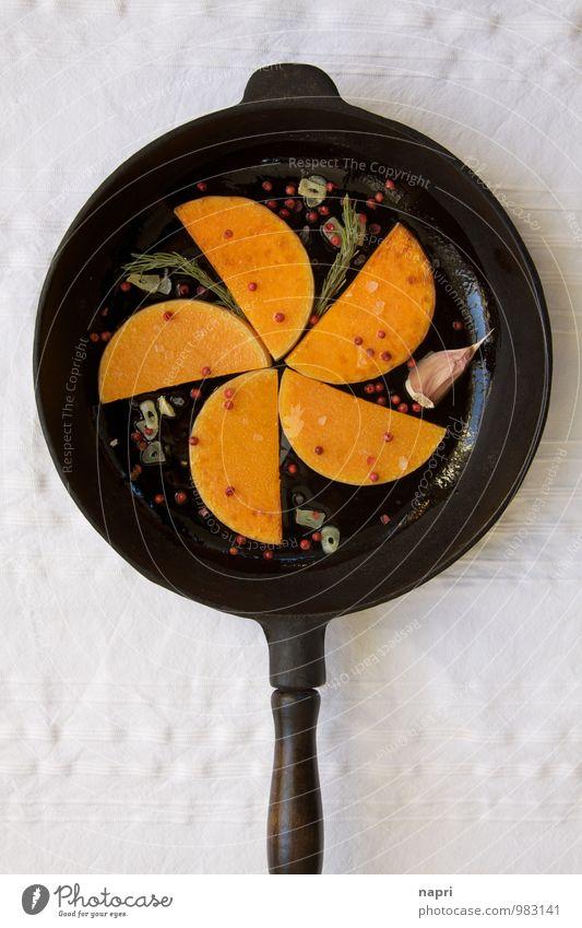 Butternut Kürbis gebraten Gemüse Kräuter & Gewürze Knoblauch Rosmarin rosa Beeren Pfeffer Ernährung Bioprodukte Vegetarische Ernährung Slowfood Vegane Ernährung
