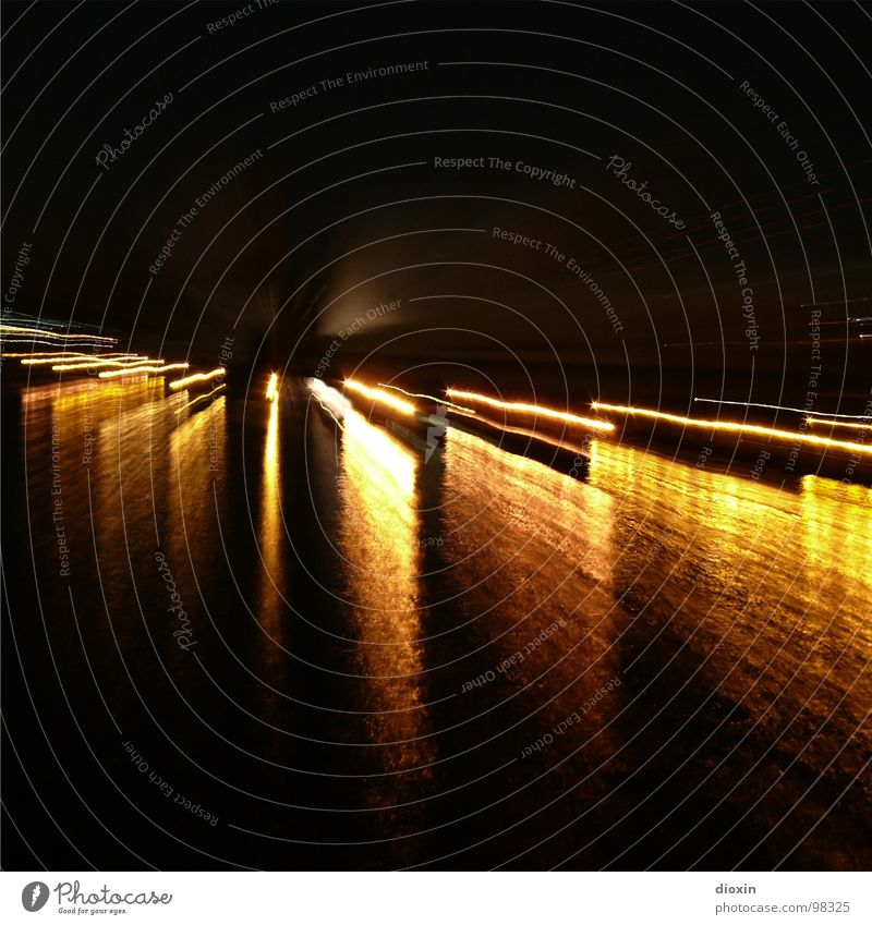 R(h)e(in)flexionen Wasser schwarz Wellen gold Hafen bizarr Lichtspiel Reaktionen u. Effekte Rhein Lichtbrechung Lichtstrahl Zoomeffekt Hafenstadt Lichteinfall
