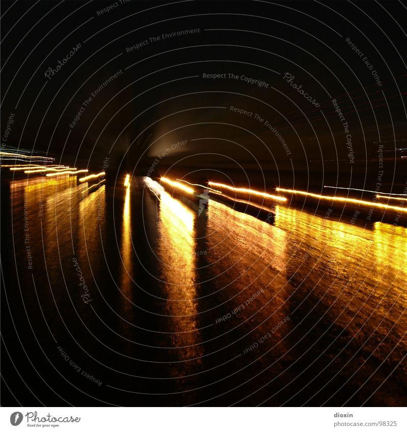 R(h)e(in)flexionen Wasser schwarz Wellen gold Hafen bizarr Lichtspiel Reaktionen u. Effekte Rhein Lichtbrechung Lichtstrahl Zoomeffekt Hafenstadt Lichteinfall lichtvoll Lichtkegel
