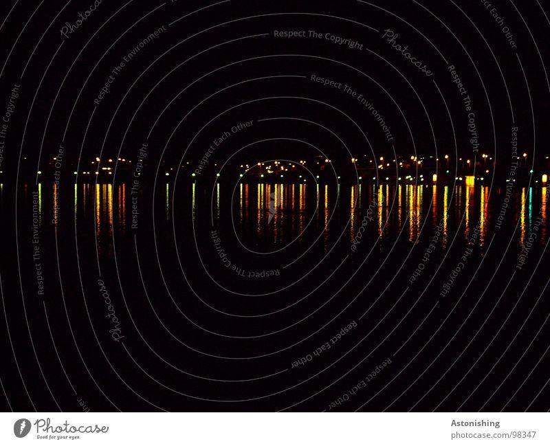 die Stadt an der Donau Umwelt Natur Wasser Himmel Horizont Sommer Küste Flussufer Linie dunkel klein schön gelb gold rot schwarz Wien Beleuchtung Licht Farbfoto