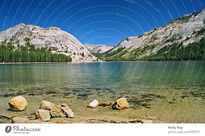 Still ruht der See durchsichtig ruhig Aufenthalt Yosemite NP Nationalpark Kalifornien Pause USA Sommer Stein Berge u. Gebirge Wasser Klarheit blau Himmel