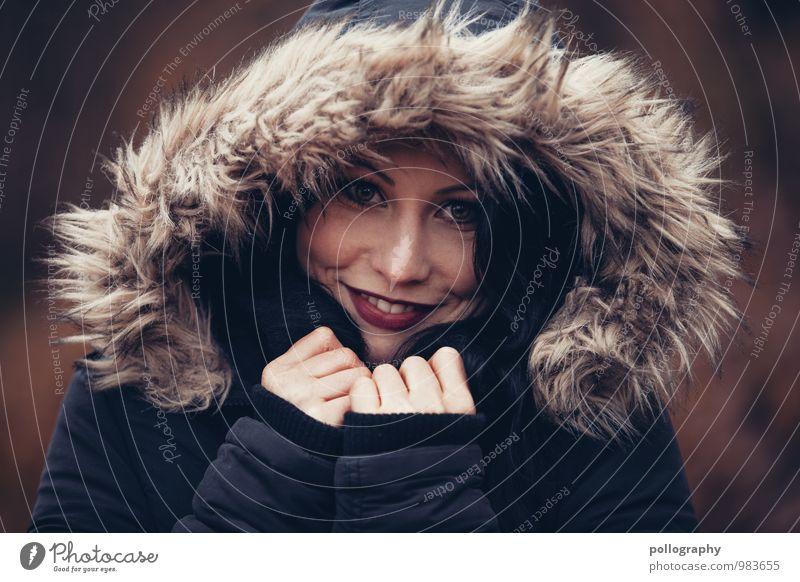... Mensch feminin Junge Frau Jugendliche Erwachsene Leben Kopf 1 18-30 Jahre Jacke Kapuze Gefühle Stimmung Glück Fröhlichkeit Zufriedenheit Lebensfreude