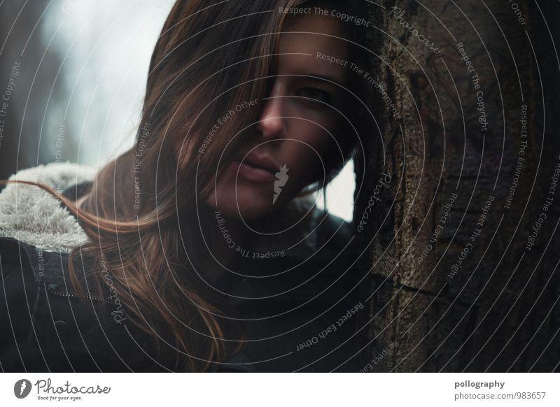 .... Mensch feminin Junge Frau Jugendliche Erwachsene Leben Körper Kopf Haare & Frisuren Gesicht 1 18-30 Jahre Natur Sonnenlicht Herbst Winter schlechtes Wetter