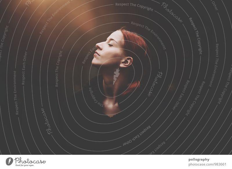 ... Mensch feminin Junge Frau Jugendliche Erwachsene Leben Körper Kopf 1 18-30 Jahre Herbst Pullover rothaarig langhaarig Gefühle Stimmung Glück Fröhlichkeit