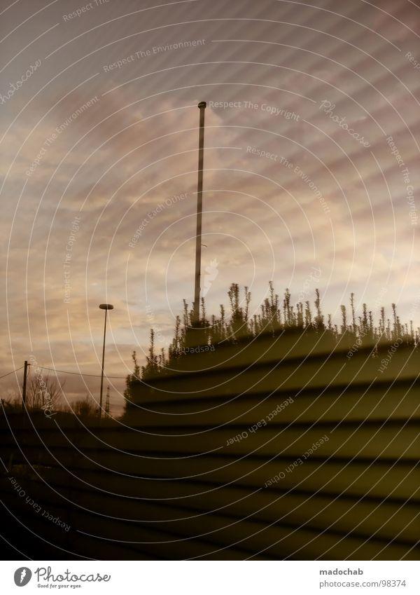 FEIERABEND Himmel Natur Wolken Fenster Stimmung Arbeit & Erwerbstätigkeit Zufriedenheit Glas warten Sehnsucht violett Symbole & Metaphern Laterne Strommast Lust
