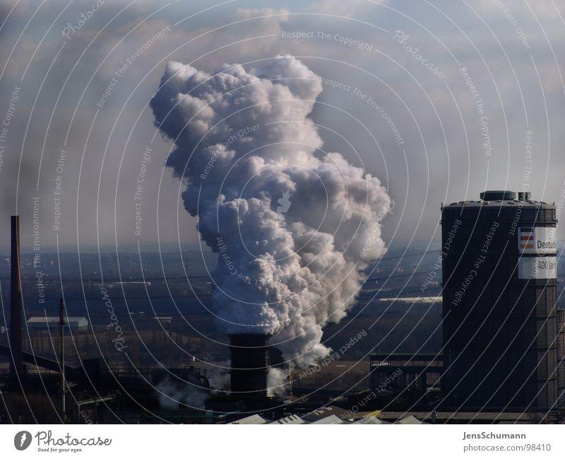 Air pollution - Luftverschmutzung dunkel dreckig Industrie Rauch Schornstein Umweltverschmutzung Wasserdampf Smog Staub Feinstaub Gasometer