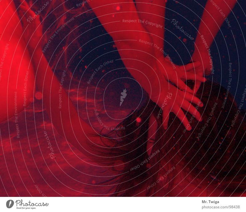 rot Hand Wasser rot Spielen Haare & Frisuren Angst tauchen Gewalt kämpfen Panik