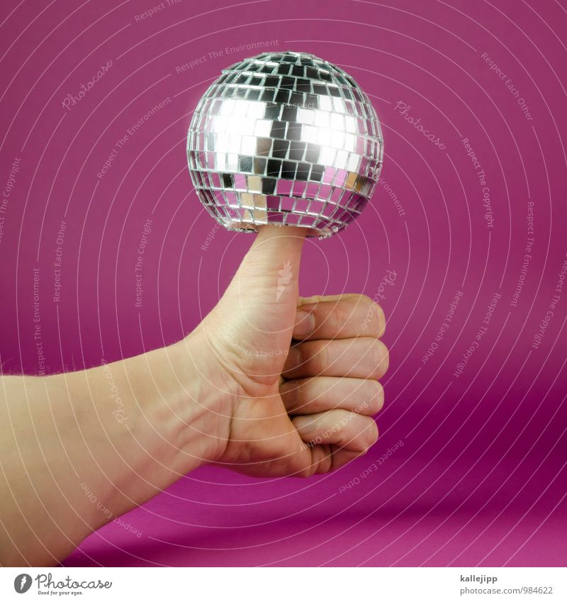 top of the pops Arme Hand Finger Feste & Feiern Discokugel Party Partystimmung Partynacht Diskjockey Musik Daumen hitparade Musikhit gut Erfolg glänzend Kugel