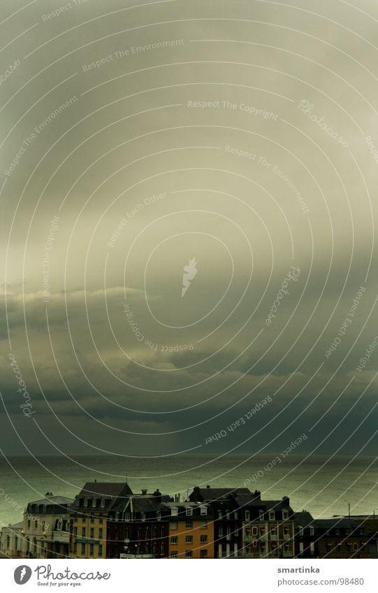 Horizont erweitern Aussicht Meer Frankreich Hafenstadt Wolken Fernweh Leidenschaft Treport Himmel Ferne Gewitter