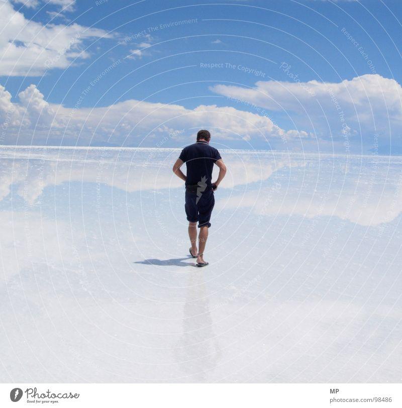 Skywalker I Himmel Natur blau Wasser Ferien & Urlaub & Reisen Freude Einsamkeit Wolken Erholung Leben Gefühle Freiheit Glück springen See gehen