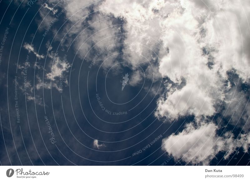 Rücklinx Himmel weiß Meer blau Sommer Wolken Erholung oben Freiheit träumen Wetter fliegen frei Rücken liegen zart