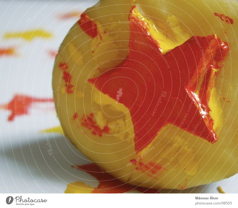 Kartoffel, Mond und Sterne rot Farbe gelb Ernährung Spielen Kunst Stern (Symbol) streichen Handwerk ökologisch Druck Kartoffeln