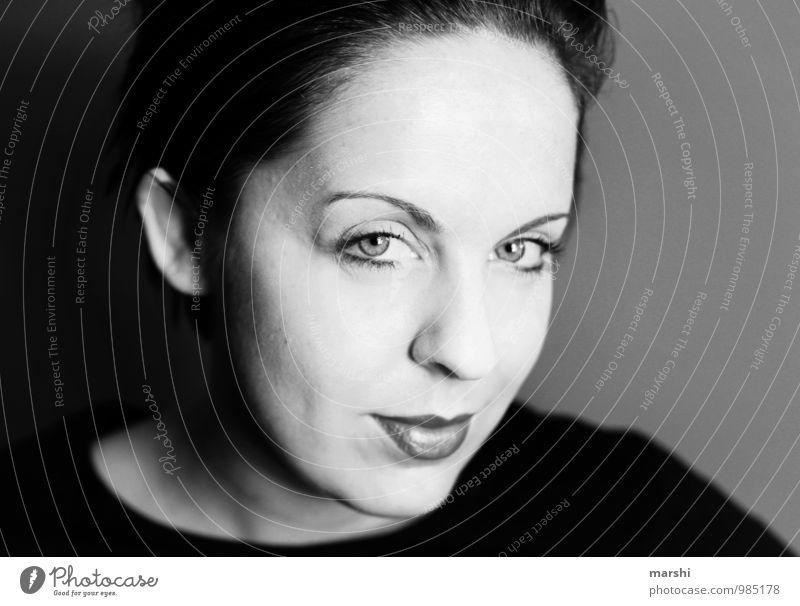 black & white elegant Stil Mensch feminin Junge Frau Jugendliche Erwachsene Gesicht Mund 1 30-45 Jahre Haare & Frisuren brünett Gefühle Stimmung Schwarzweißfoto