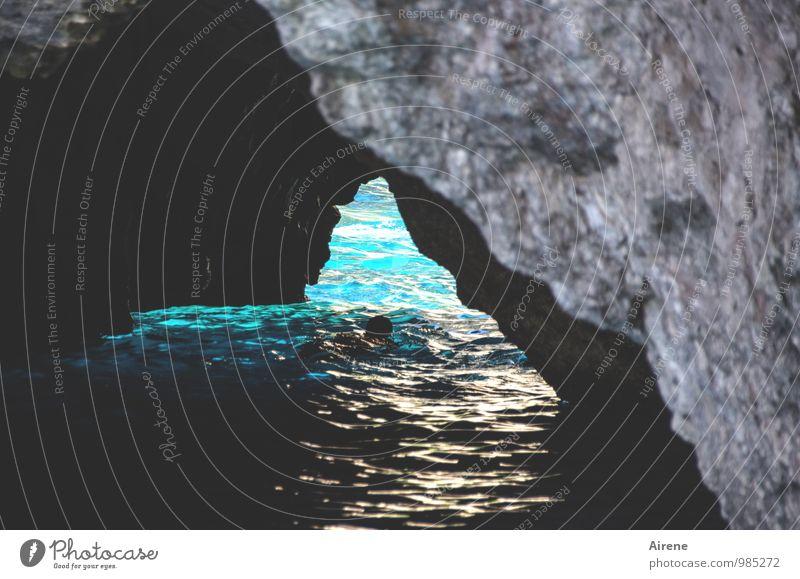 Feuchtigkeit | durchschwimmen Mensch Natur Ferien & Urlaub & Reisen Sommer Wasser Meer schwarz Erwachsene Sport Schwimmen & Baden Kopf frisch Insel gefährlich