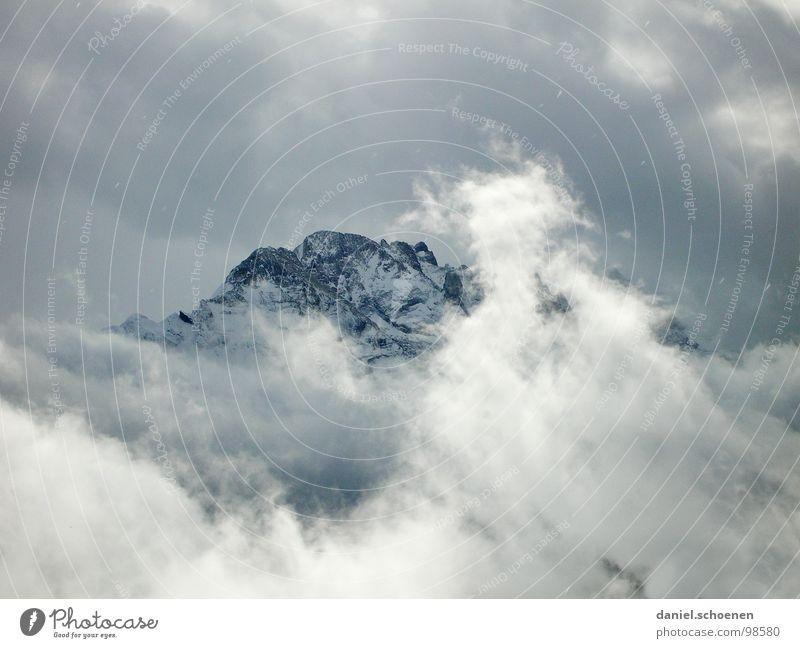 Wetterumschwung Winter Wolken Schnee Berge u. Gebirge Eis wandern Felsen bedrohlich Schweiz Klettern Alpen Spitze Gipfel Bergsteigen dramatisch
