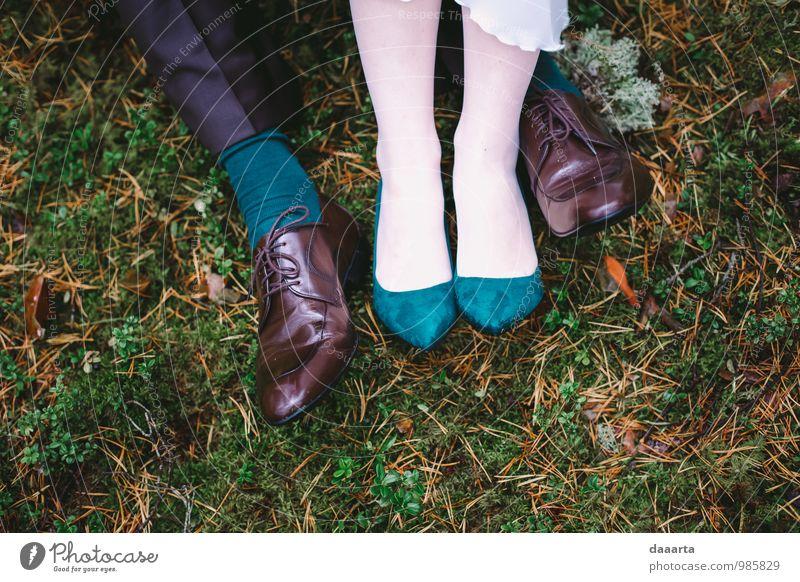 ein paar Meter weiter Lifestyle elegant Stil Freude schön Feste & Feiern Flirten Hochzeit Paar Partner Beine Fuß Natur Landschaft Pflanze Schönes Wetter Gras