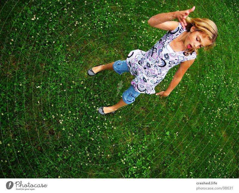Ohne witz, ey! Balletttänzer blond Hand Gras grasgrün Jugendliche Man alt Janina Haare & Frisuren Mund Face Ballerina