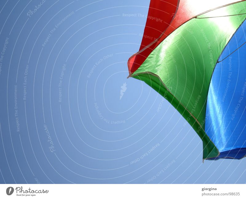 Umbrella at the seaside 1 Himmel Freude Farbe Hintergrundbild