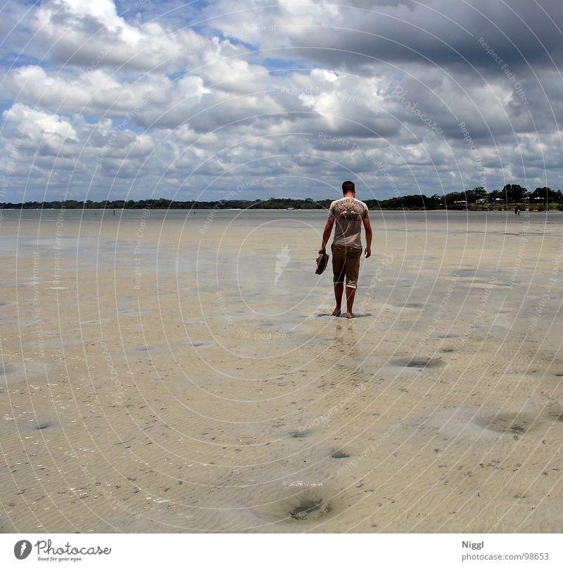 dem Himmel entgegen... wandern Barfuß nass flach Wolken Ebbe Sommer Australien Queensland Meer Pazifik Einsamkeit Ferne Horizont ruhig Unendlichkeit Strand