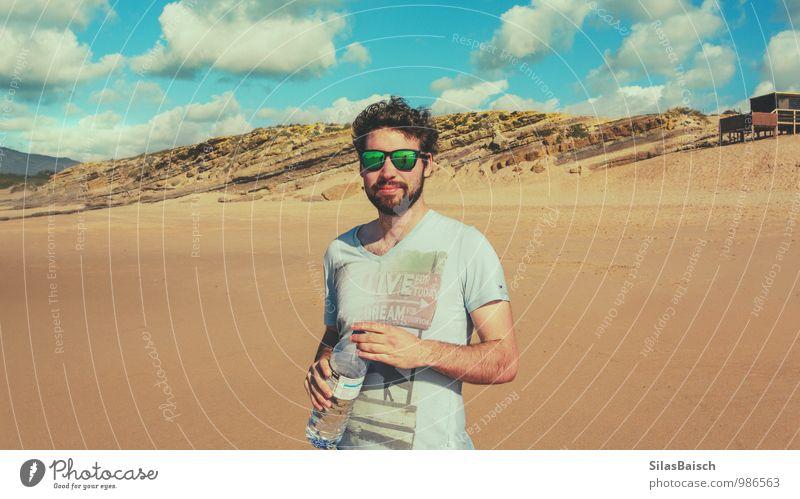 On the beach Mensch Ferien & Urlaub & Reisen Jugendliche Sommer Meer Wolken Junger Mann Freude 18-30 Jahre Strand Erwachsene Küste Stil Freiheit Lifestyle