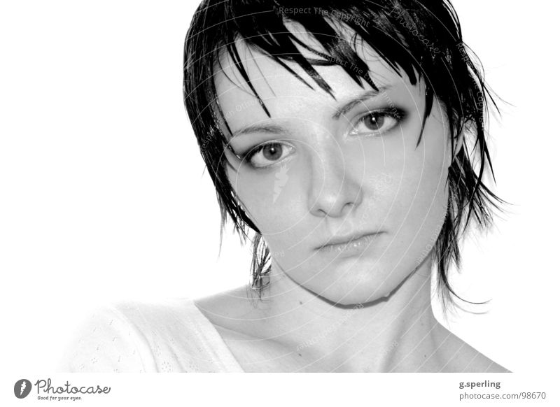 Elizaveta Frau nass Trauer zart Vertrauen Wasser Gesicht potrait Tränen Schwarzweißfoto Traurigkeit Blick Auge Haare & Frisuren