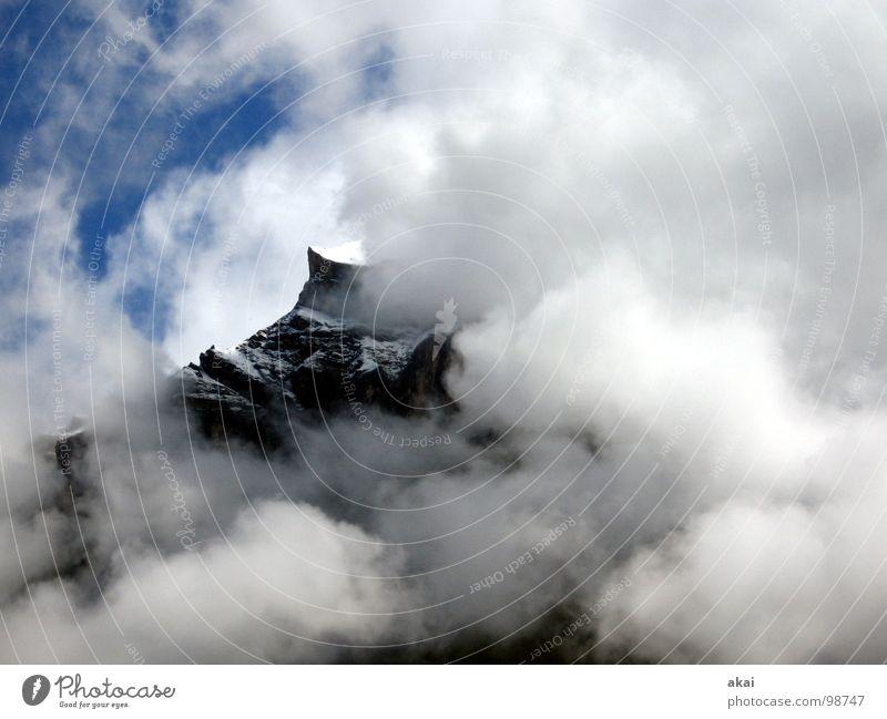 Komm,zeig Dich nackt! Berge u. Gebirge Angst Nebel gefährlich bedrohlich Schweiz fantastisch gruselig Panik Sorge unheimlich unklar ungewiss schemenhaft