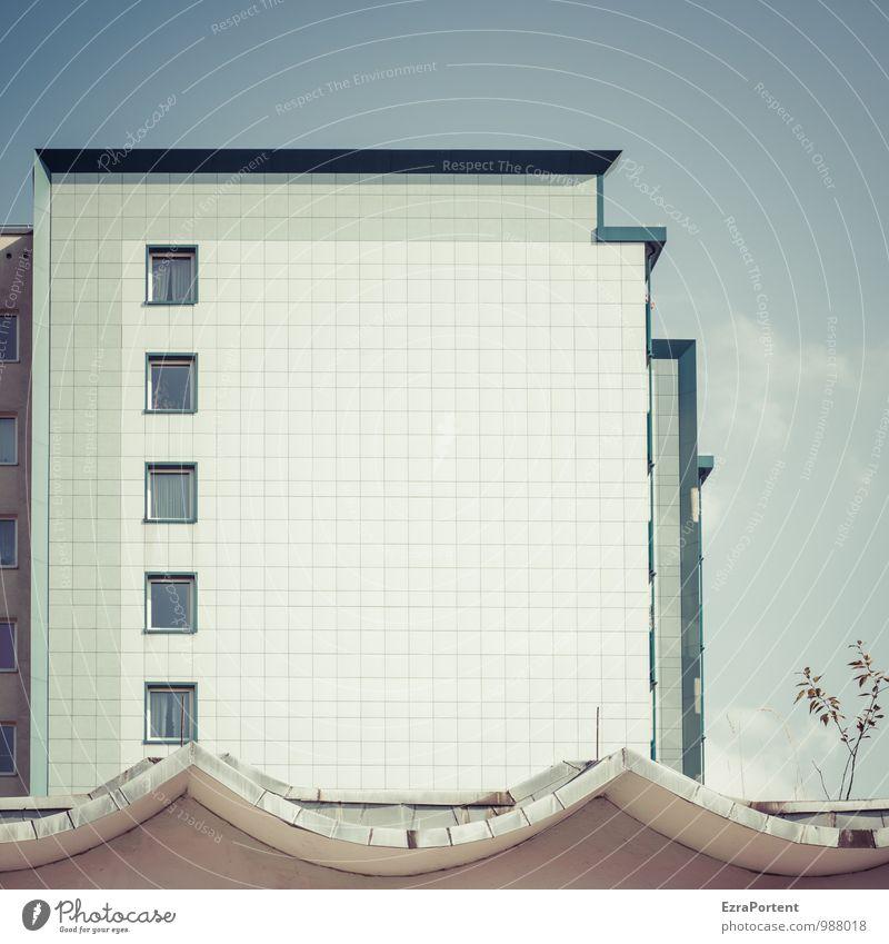 schenk mir ein Lächeln Umwelt Natur Himmel Pflanze Sträucher Stadt Haus Bauwerk Gebäude Architektur Mauer Wand Fassade Fenster Dach Stein Linie blau weiß