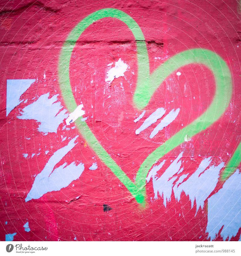 Grün und Rot ein Herz Design Straßenkunst Graffiti Liebe einfach Fröhlichkeit trashig Sehnsucht Inspiration Kreativität Lebensfreude Plakatwand Fetzen