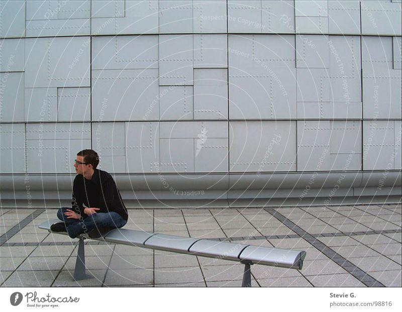 Man(n) braucht Zeit zum Nachdenken Stadt schwarz träumen Denken Metall Bank Konzentration Quadrat silber