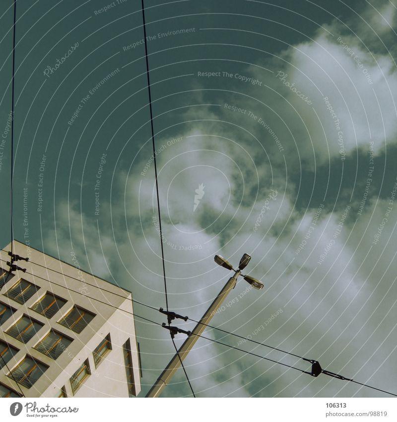 KONTROLLZENTRUM BREMEN-NORD Himmel Stadt alt schön Wolken Haus Fenster Leben Architektur Innenarchitektur Mauer Lampe Linie hell Metall Arbeit & Erwerbstätigkeit
