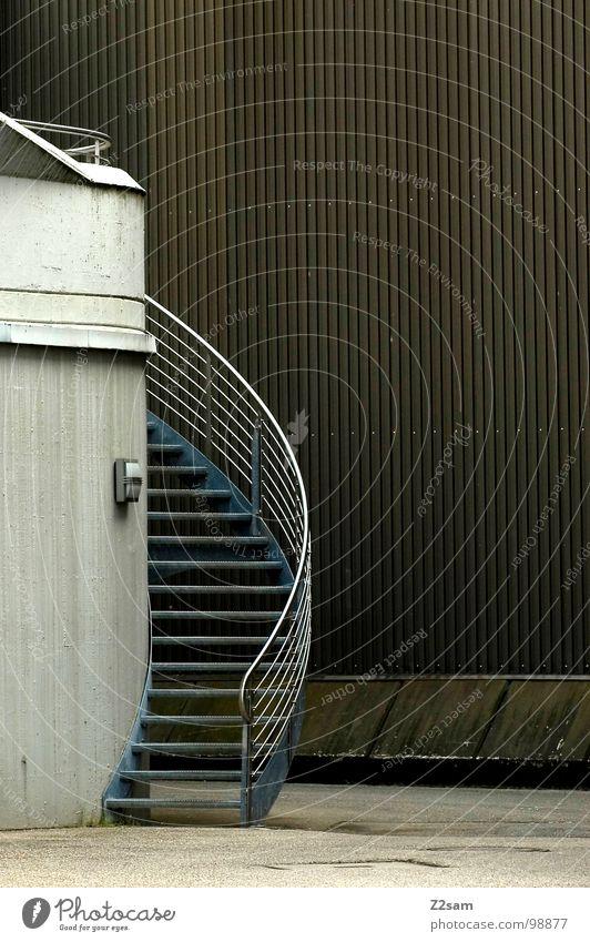 ins ungewisse gehen steigen Wand Furche Blech Lampe sehr wenige einfach Industrie Wege & Pfade Treppe Leiter Geländer Kurve wändeltreppe hochr aufwärts oben