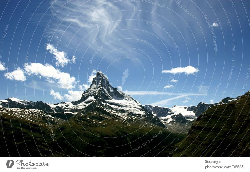 Matterhorn V Himmel blau Sommer Wolken Landschaft Schnee Berge u. Gebirge Stein Felsen wandern hoch groß Tourismus Macht Klettern Hügel