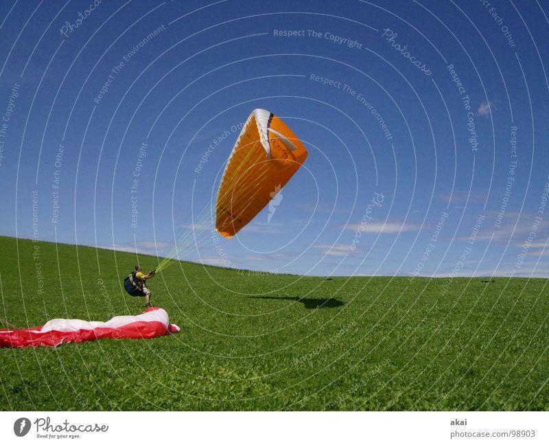 Groundhandling Freude Ferien & Urlaub & Reisen Farbe Sport Gefühle orange Beginn Romantik Freizeit & Hobby Planet Gleitschirmfliegen Abheben gemalt himmelblau