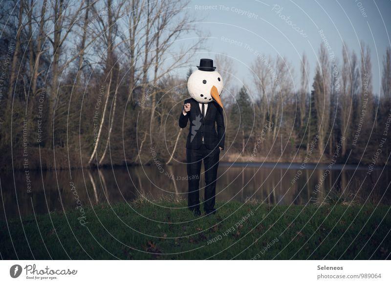 I want you. Mensch Natur Wasser Baum Landschaft Winter kalt Umwelt Küste See Wolkenloser Himmel Hut Karneval Anzug Teich Karnevalskostüm