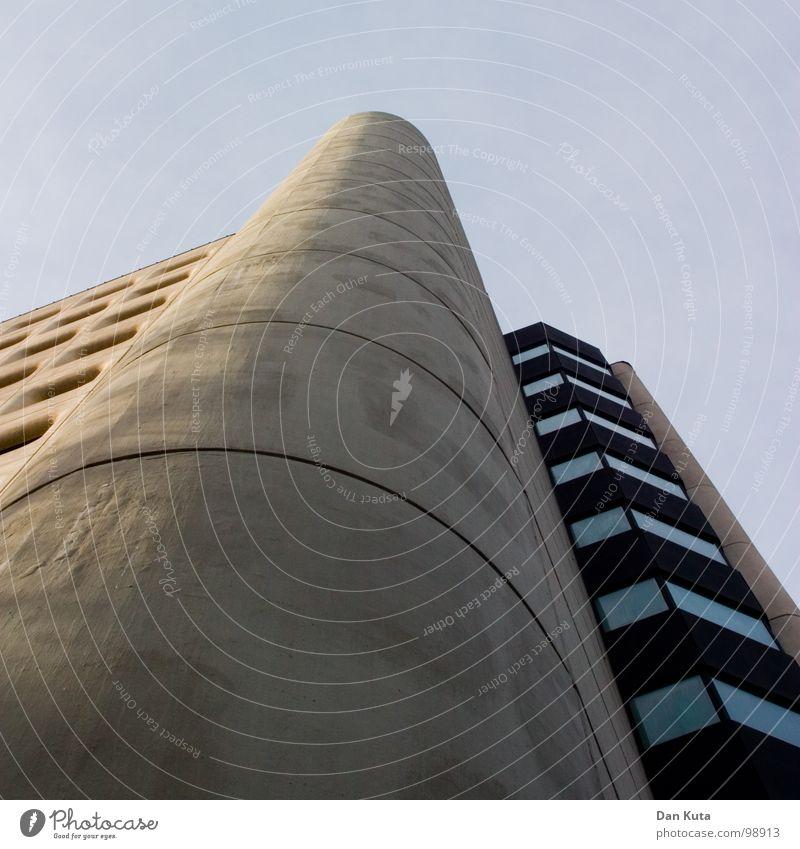 Block, Stock & One Smokin' Doorman Achtziger Jahre ruhig Strukturen & Formen Fassade Fenster grau Siebziger Jahre eingelassen diagonal dreckig Reinigen Dach