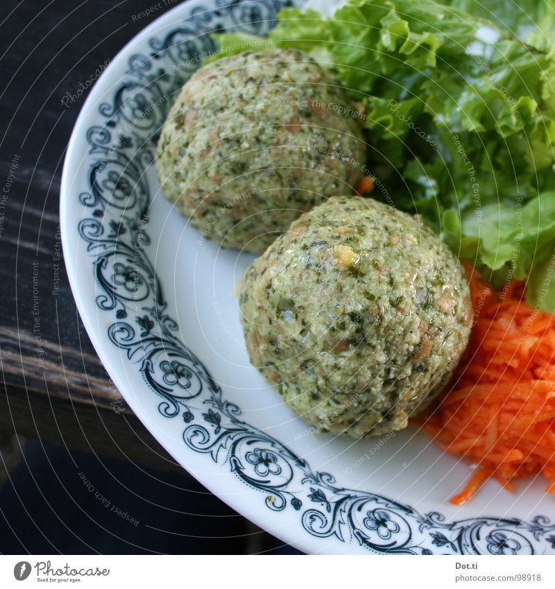 Bärlauchknödel Lebensmittel Salat Salatbeilage Ernährung Mittagessen Abendessen Vegetarische Ernährung Geschirr Teller Gastronomie genießen Gesundheit lecker