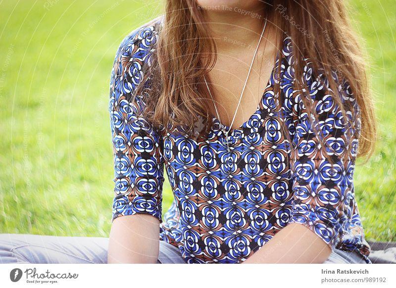Mensch Ferien & Urlaub & Reisen Jugendliche schön grün Sommer Junge Frau Mädchen 18-30 Jahre Erwachsene Haare & Frisuren Freiheit Stimmung Feld Körper niedlich