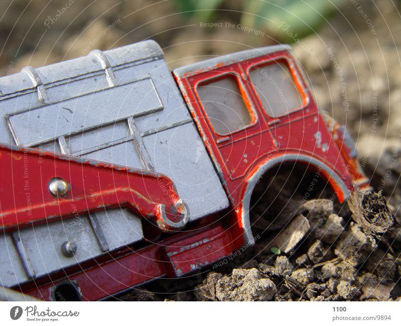 muellauto 2 Müllwagen Spielzeug Lastwagen kaputt Elektrisches Gerät Technik & Technologie Makroaufnahme