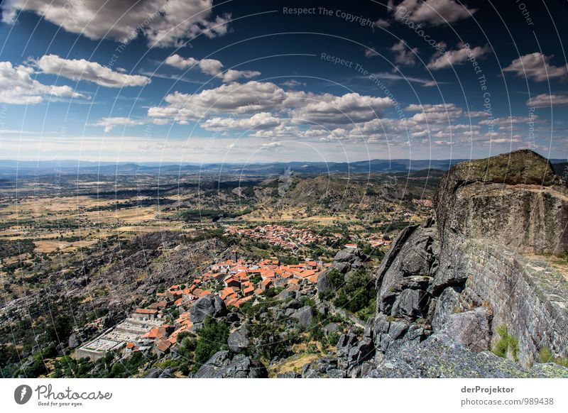 Blick auf Monsanto in Portugal Natur Ferien & Urlaub & Reisen alt Sommer Landschaft Haus Ferne Umwelt Berge u. Gebirge Felsen Freizeit & Hobby Tourismus wandern