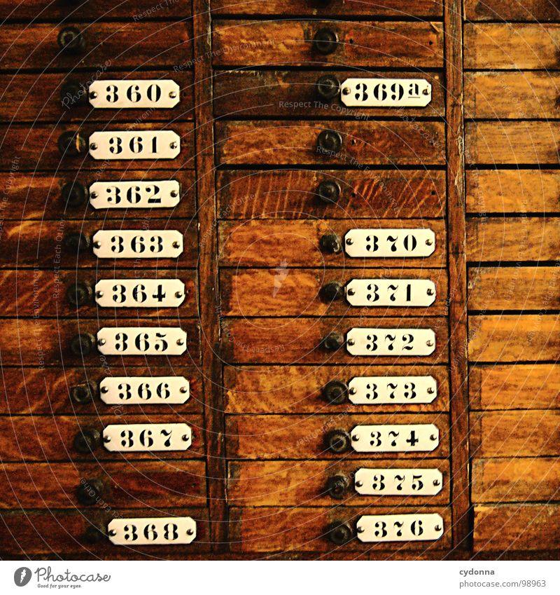 360 - 376 Regal historisch Ziffern & Zahlen Fächer sortieren braun Holz Schrank Trennung Auswahl möglich schreiben Handwerk Schilder & Markierungen Möbel