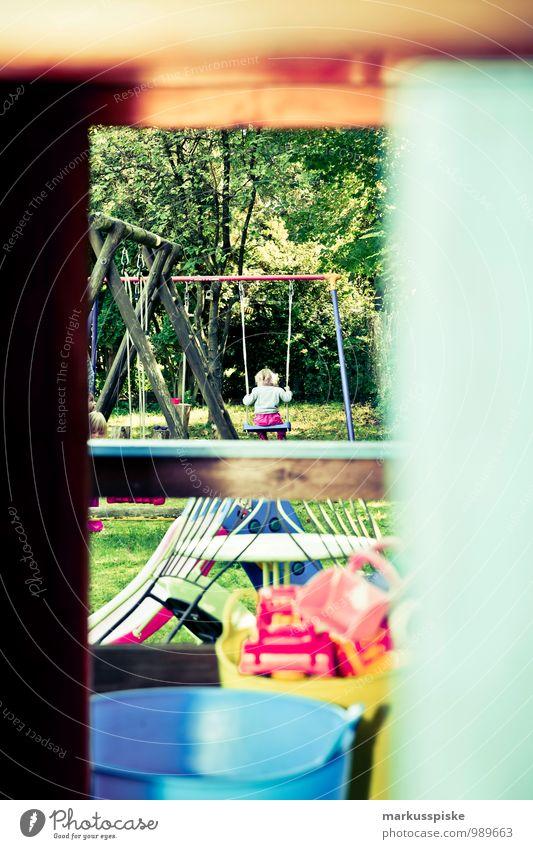 kinderspielplatz Freizeit & Hobby Spielen Sommer Kindererziehung Kindergarten lernen Kleinkind Mädchen Junge Kindergruppe 1-3 Jahre Schaukel schaukeln