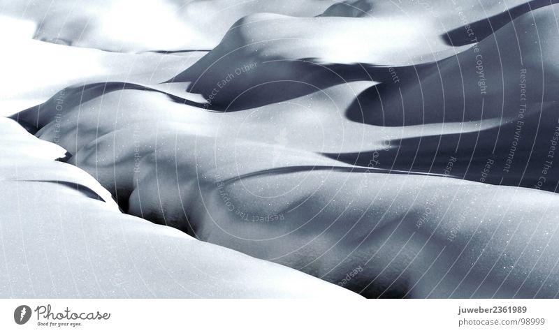 Bachlandschaft Winter kalt schön Eis Trauer Einsamkeit Fluss Schnee Frost Natur Landschaft Traurigkeit