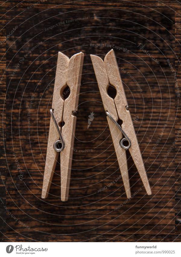 Klammerliebe Wäscheklammern Holz Metall braun Valentinstag Liebe Haushaltsführung aufhängen Zusammensein Hausfrau Frauenarbeit Maserung Holzstruktur 2 Zwilling