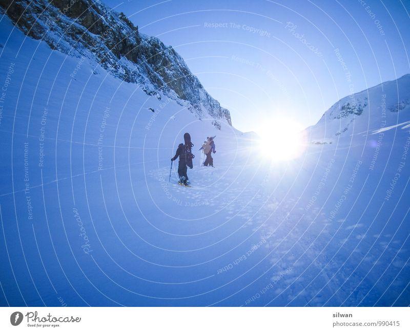 into the sun Mensch Himmel Natur Jugendliche blau weiß Winter 18-30 Jahre kalt Erwachsene Schnee Sport Menschengruppe gehen hell Felsen