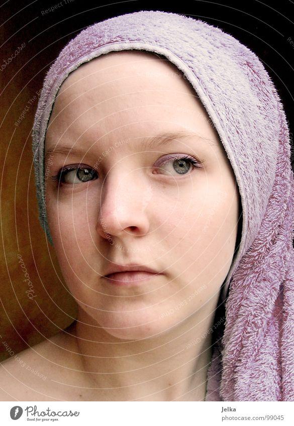 lila lilo Frau Mädchen Gesicht Erwachsene Auge Mund Nase violett Handtuch Naher und Mittlerer Osten