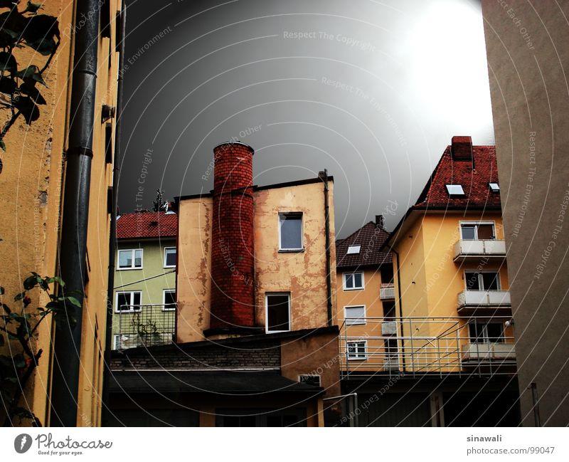 fabrikreste alt Stadt Haus Industrie verfallen Schornstein unbrauchbar