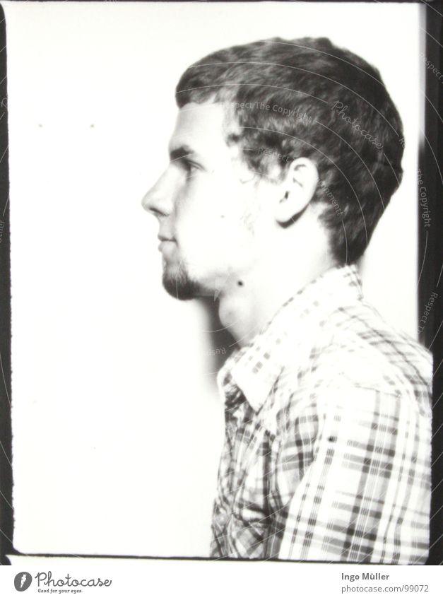 Fotosession 12 Mann maskulin Fotografie Photo-Shooting schwarz weiß Hemd Bart Schwarzweißfoto Auge Gesicht Seite Profil Haare & Frisuren Ohr Nase Junger Mann