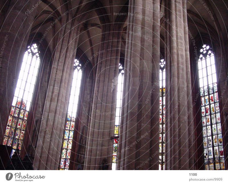kirchenfenster Fenster Licht heilig Kirchenfenster Raum Gotteshäuser Religion & Glaube Säule Architektur