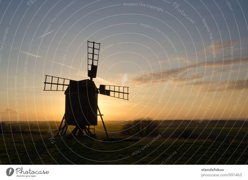 Alte Windmühlen-Silhouette Ferien & Urlaub & Reisen Tourismus Freiheit Sonne Insel Natur Landschaft Himmel Wolken Gebäude Architektur alt historisch retro blau