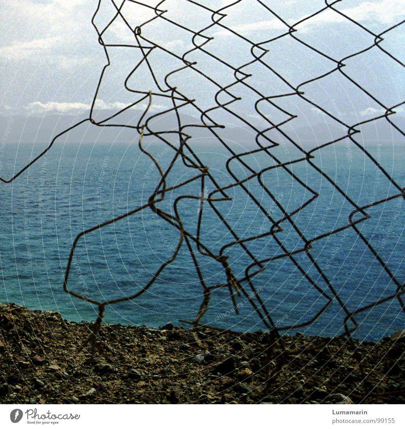 Grenzen los! Himmel Wasser blau Meer Strand Wolken ruhig Ferne Freiheit grau Glück Küste Stein See Linie Horizont